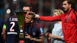 Dani Alves Ingin Kontak Langsung Dengan Presiden Barcelona